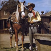 roy rogers & trigger 1940 - by roman freulich. Scanned by Frederic. Reworked by Nick & jane for Dr. Macro's High Quality Movie Scans website: http://www.doctormacro.com. Enjoy!